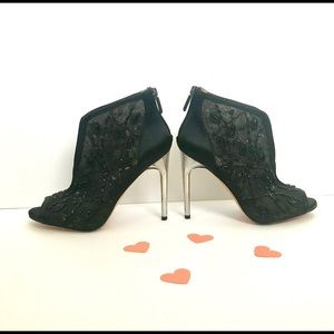 BCBGMAXAZRIA BLACK LACY BEJEWELED BOOTIES/SHOES!
